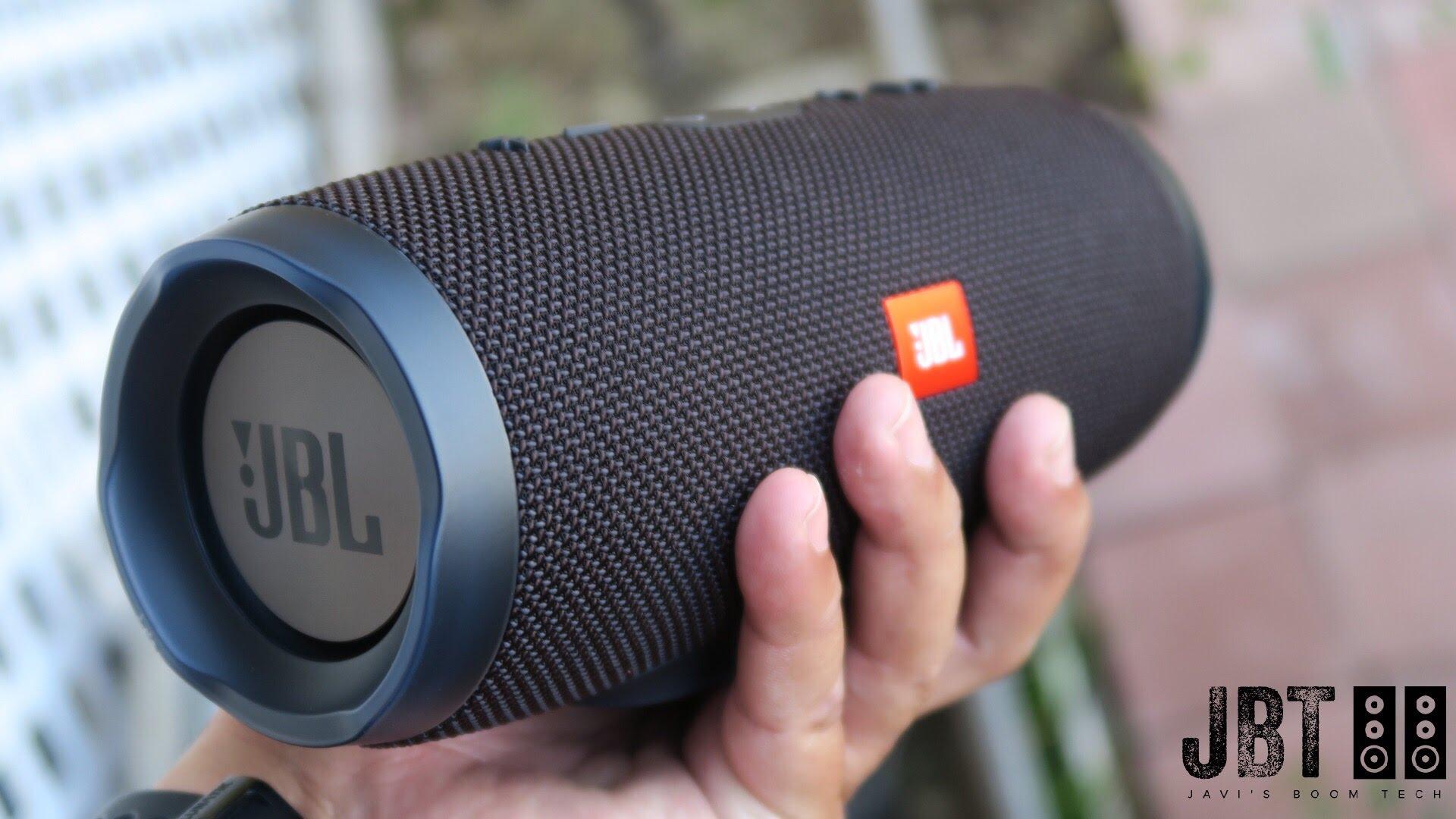 libratone too vs jbl charge 3 bluetooth speakers. Black Bedroom Furniture Sets. Home Design Ideas