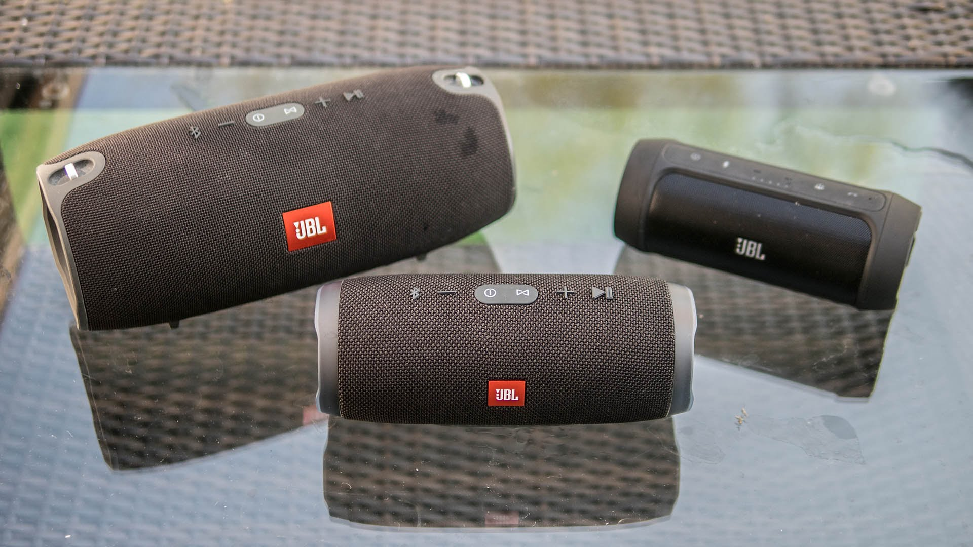 Libratone Too vs JBL Charge 3 - Bluetooth Speakers | Review Position
