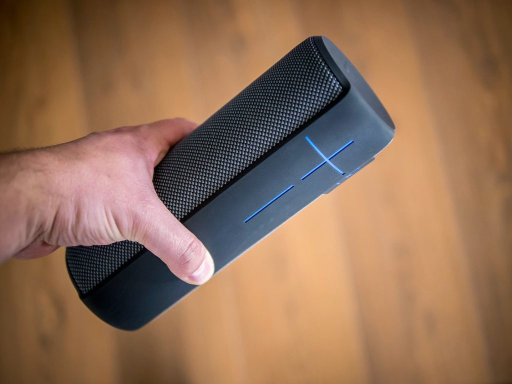 Jbl Charge 3 Vs Ue Megaboom Review Position Ultimate Ears Plum