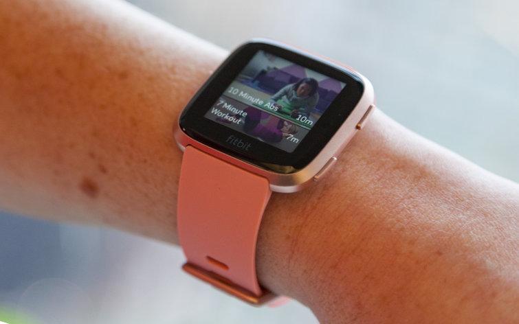 Fitbit Charge 3 vs Fitbit Versa: Comparison & Verdict | Review Position