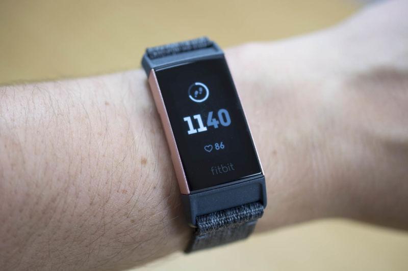 Fitbit Charge 3 vs Fitbit Alta HR: Comparison - Review Position